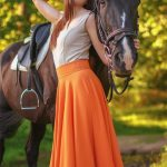 Eskortlar Istanbul girl Alina is an affectionate chick that stands close to the horse